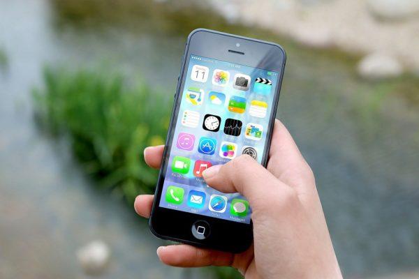 Смартфоны могут подорожать из-за установки российского ПО